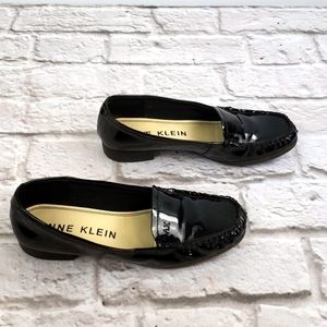 AK Anne Klein  Faux Patent Leather Loafers 7.5M